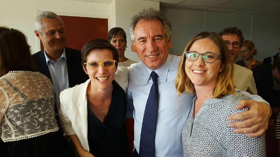 Marjolaine Meynier-Millefert (à droite) et Caroline Abadie (candidate En marche dans la 8ème) reçoivent le soutien de François Bayrou le 5 mai. DR