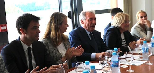 A Voiron, le ministre de la Justice qui a négocié avec Macron un certain nombre de circonscriptions, est venu soutenir les dix candidats de La République en marche sur l'Isère. Dont la candidate du Modem, Elodie Jacquier-Laforge (à sa droite).
