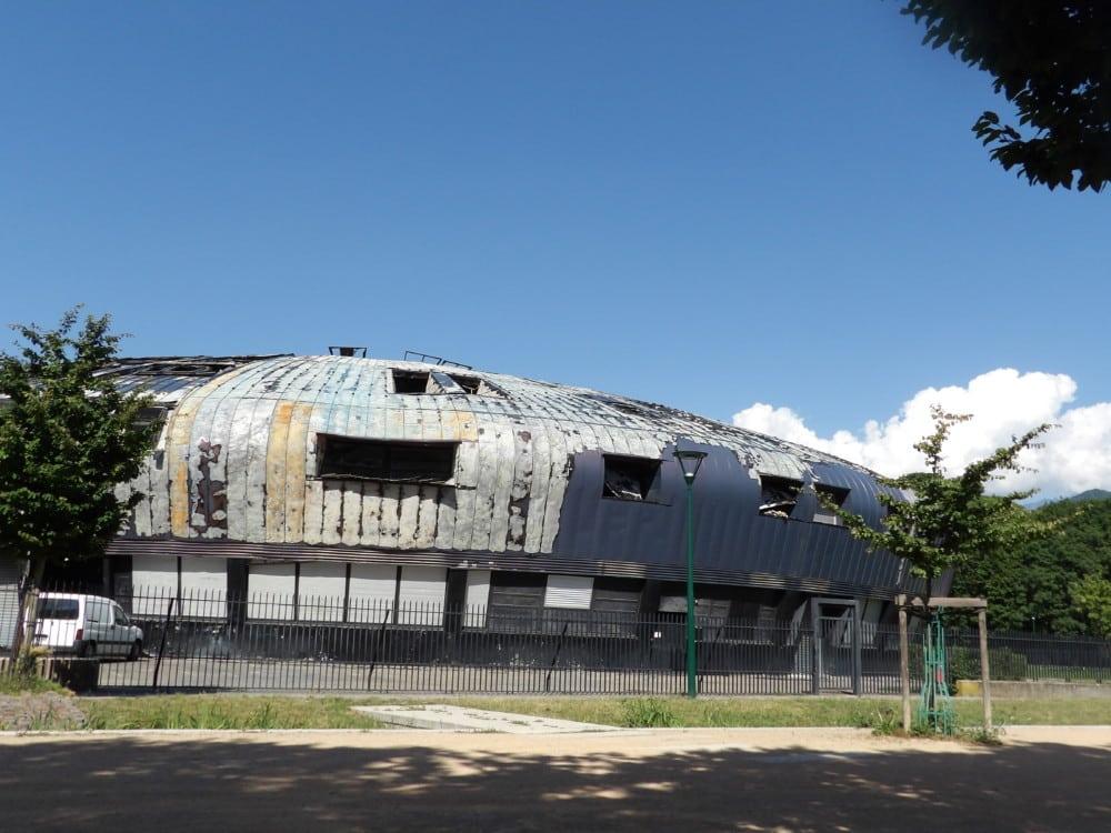 L'ancien collège incendié Lucie-Aubrac sera déconstruit. © Manuel Palvard - Place Gre'net