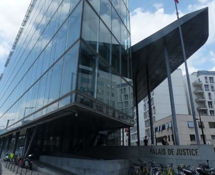 UNE Tribunal d'instance de Grenoble © Joël Kermabon - Place Gre'net