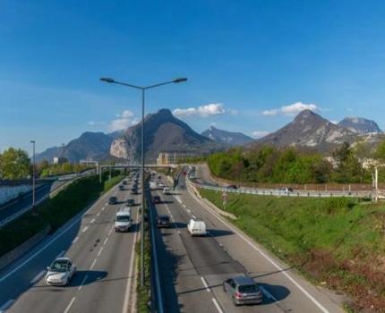 Le juge des référés a rejeté la requête des opposants à l'élargissement de l'A480 dans la traversée de Grenoble. Et validé le démarrage des travaux.