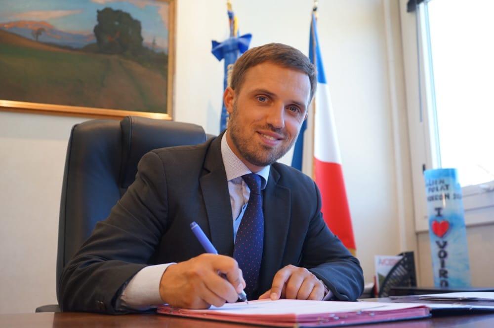 Le maire de Voiron Julien Polat ne prétend pas « donner des leçons » mais affirme sa sensibilité sur la question du bien-être animal en interdisant les cirques avec animaux. © Voiron