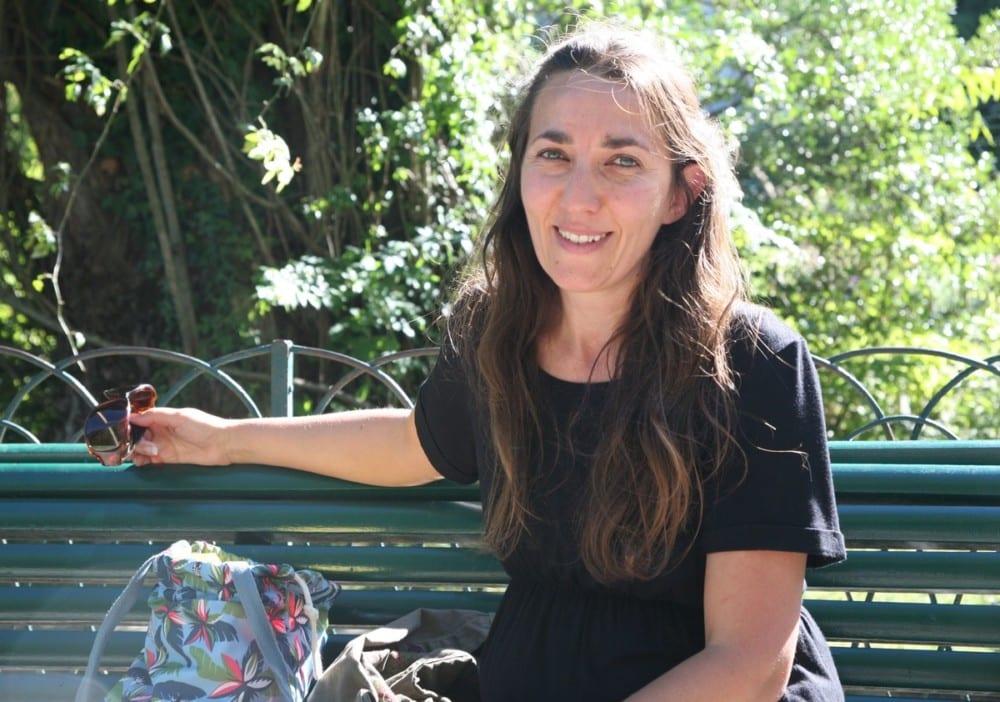 """Ingrid Szalay, ambassadrice du """"projet chauve-souris"""" © Florent Mathieu - Place Gre'net"""