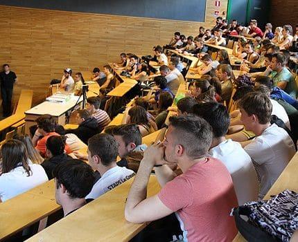 étudiants en Staps_filières sous tensions DR