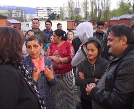 Sur le point de disparaître, Roms Action déplore le désengagement de la Région, du Département, de la Métro, de la Ville de Grenoble et d'autres communes.