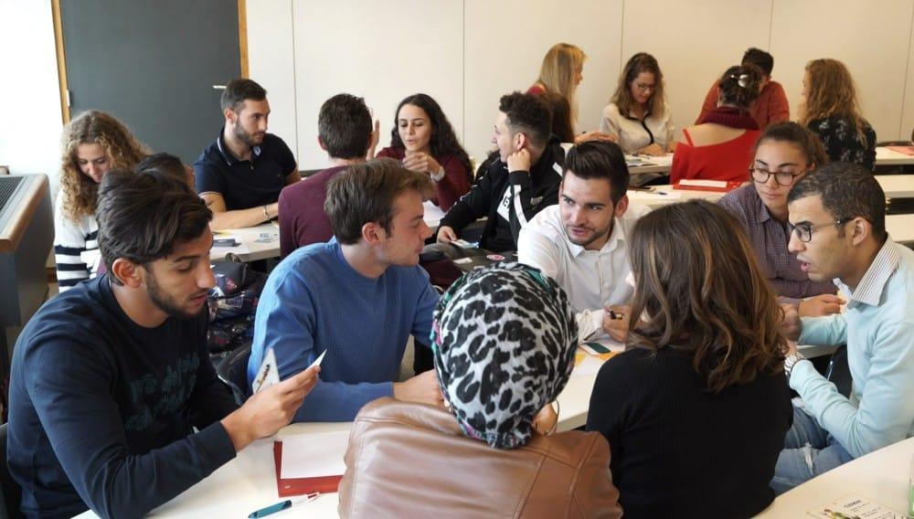 Un groupe de réflexion en plein travail durant les Innodays de Gem © Grenoble École de management