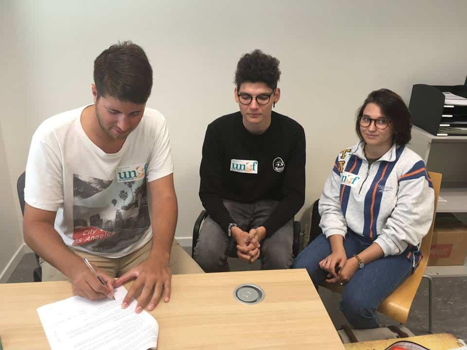 Le syndicat Unef Grenoble a signé la charte anti-sexisme de l'Université Grenoble-Alpes... plusieurs mois après l'avoir porté et participé à sa rédaction.Signature par l'Unef Grenoble de la charte anti-sexisme de l'UGA. © Unef Grenoble