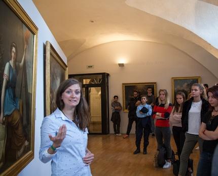 Visite du château de Vizille par une trentaine de jeunes citoyens à l'occasion de leur Journée défense et citoyenneté. © Yuliya Ruzhechka - Placegrenet.fr