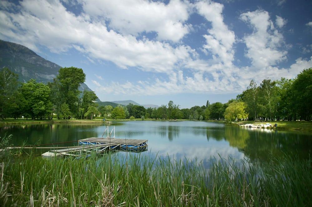 """Grenoble-Alpes Métropole souhaite développer une stratégie 2017-2021 """"plus opérationnelle"""" pour gérer, préserver et promouvoir ses six espaces naturels.Le parc de l'Ovalie à Sassenage © Grenoble-Alpes Métropole"""