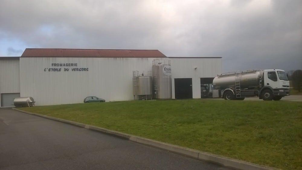 Saint-Marcellin Vercors Isère communauté porte plainte contre Lactalis, pour obliger l'usine l'Étoile du Vercors à se raccorder au réseau d'assainissement.La fromagerie Étoile du Vercors. DR