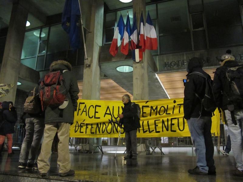 Rassemblement des militants contre les démolitions à la Villeneuve © Séverine Cattiaux - Place Gre'net