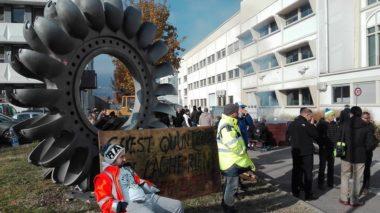 L'usine à nouveau occupée ce lundi 20 novembre. © Joël Kermabon - Place Gre'net