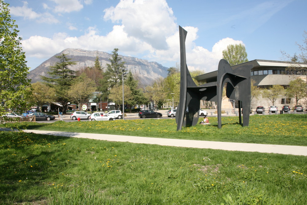 Campus de Saint Martin d'Hères. Gérard Mourou est le premier ancien étudiant de Grenoble à remporter un Prix Nobel © Florent Mathieu - Place Gre'net