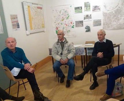 Trois unions de quartier et d'habitants du centre-ville de Grenoble se plaignent de nuisances sonores nocturnes et demandent au maire de prendre des mesures