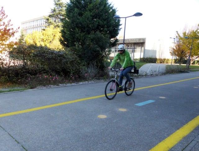 Chronovélo acte 2 ! Sept kilomètres de pistes cyclables directes, confortables et sécurisées vont être aménagés entre Grenoble et Meylan dès le 18 juin.