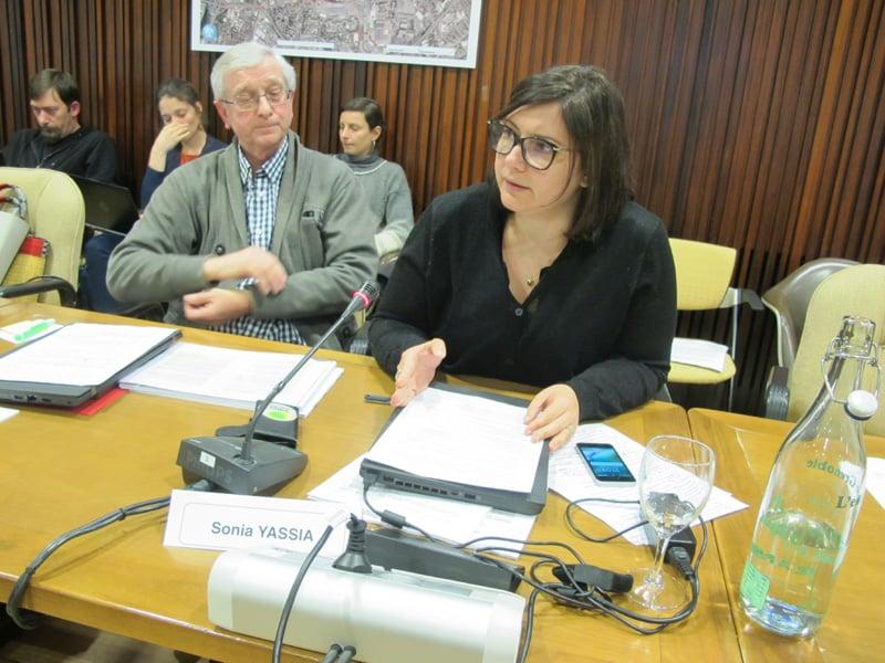 Sonia Yassia lors du conseil municipal du 18 décembre 2017 © Séverine Cattiaux - Place Gre'net
