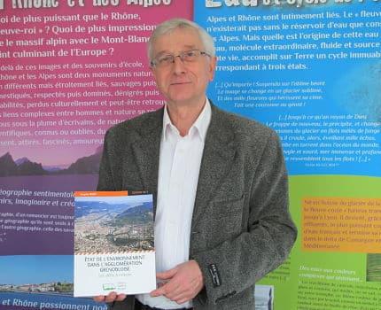 Jacques Wiart, auteur de l'ouvrage Etat de l'environnement dans l'agglomération grenobloise, aux éditions Campus ouvert. © Séverine Cattiaux - Place Gre'net