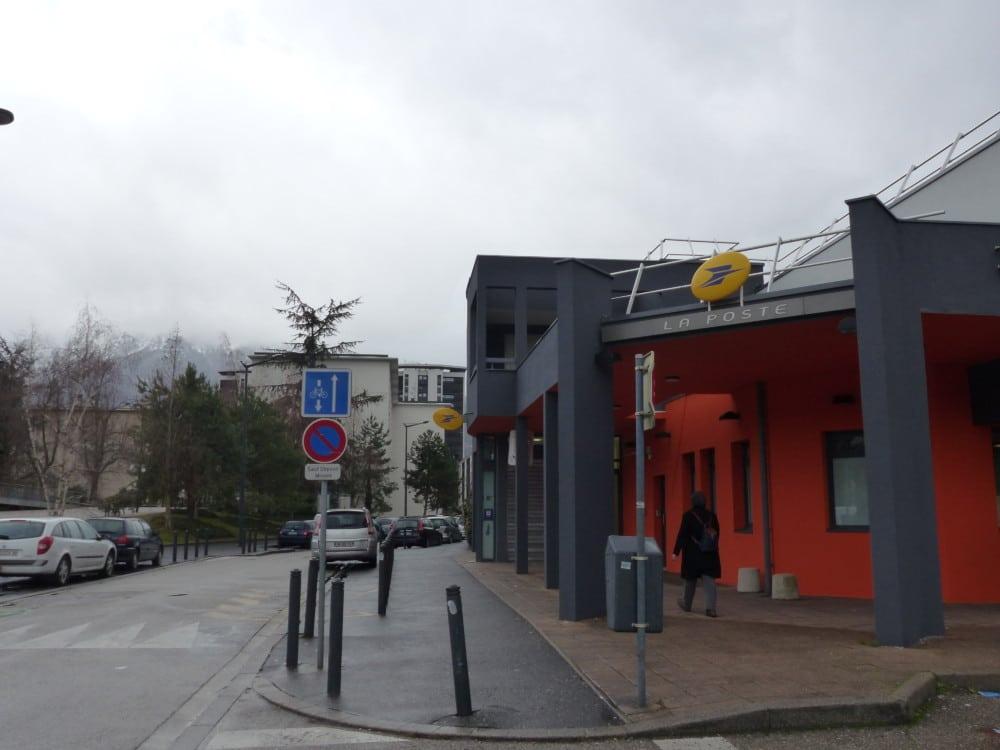 Bureau de poste lionel terray grenoble 5©juliette oriot place grenet