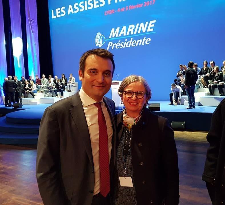 Quand Florian Philippot prenait la pose avec Mireille d'Ornano aux assises du FN. Le « Marine présidente » n'est plus d'actualité © Mireille d'Ornano - Facebook