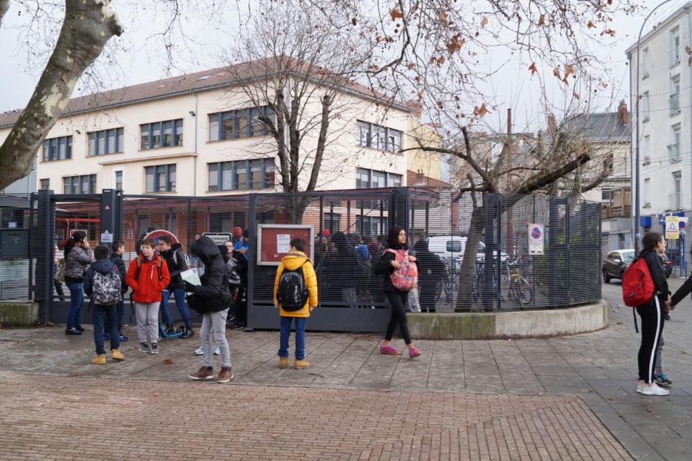 Le harcèlement scolaire concerne environ un enfant sur dix, principalement les écoliers et les collégiens © Léa Raymond - Place Gre'net