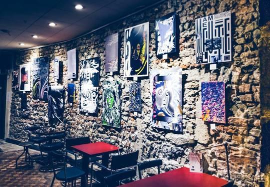 À l'intérieur du bar le Bauhaus © Bauhaus