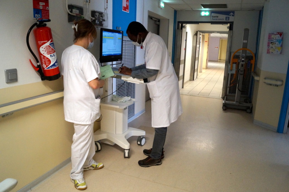 Personnel soignant du CHU de Grenoble. © Léa Raymond - placegrenet.fr