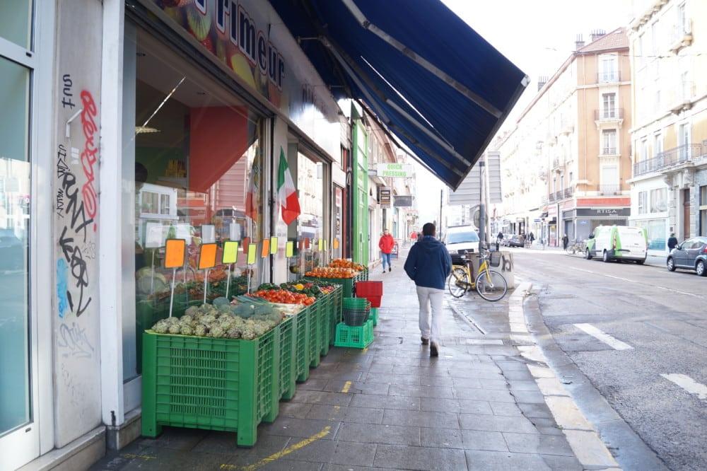 Le cours Berriat de Grenoble sera piétonnisé de la rue Abbé-Grégoire à la rue Ampère du 3 au 18 juillet. © Léa Raymond - Place Gre'net
