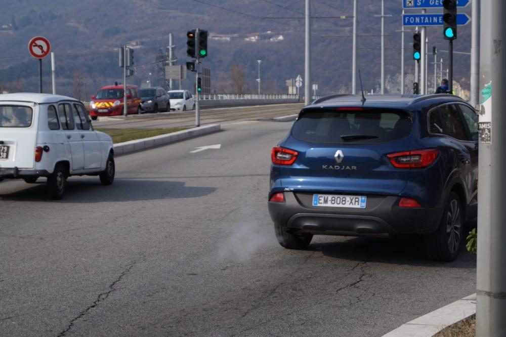 En agglomération, les véhicules représentent 38 % des émissions de gaz à effet de serre © Léa Raymond - Place Gre'net