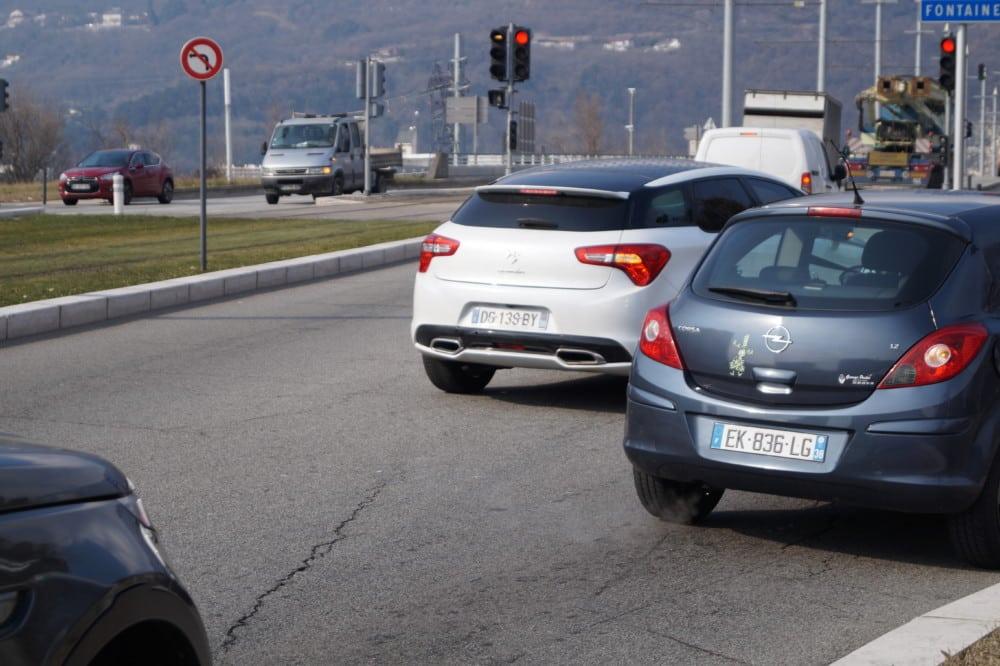 Les automobilistes sont invités à limiter leur vitesse © Léa Raymond - Place Gre'net