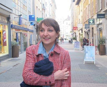 Katia Boissin, animatrice de centre ville à Grenoble, employée par l'association Label Ville © Séverine Cattiaux - Place Gre'net