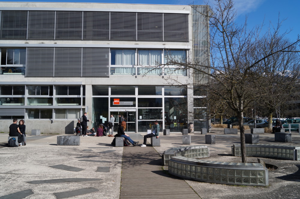 Le batimentLes campus de Saint-Martin-d'Hères et du Bourget-du-Lac organisent la Journée du lycéen, mardi 29 janvier de 9 heures à 16 heures. ARSh Arts et sciences humaine © Léa Raymond - Place Gre'net