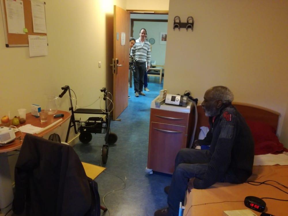 La Ville de Grenoble gère plusieurs lieux d'hébergement d'urgence dont le Centre d'accueil intercommunal qui propose 71 places à des personnes à la rue.