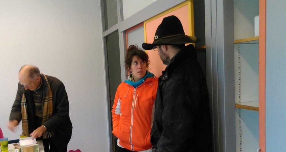 Nadège Azarias de la Confédération Paysanne, en attendant la venue de la directrice de la DDT © Florent Mathieu - Place Gre'net