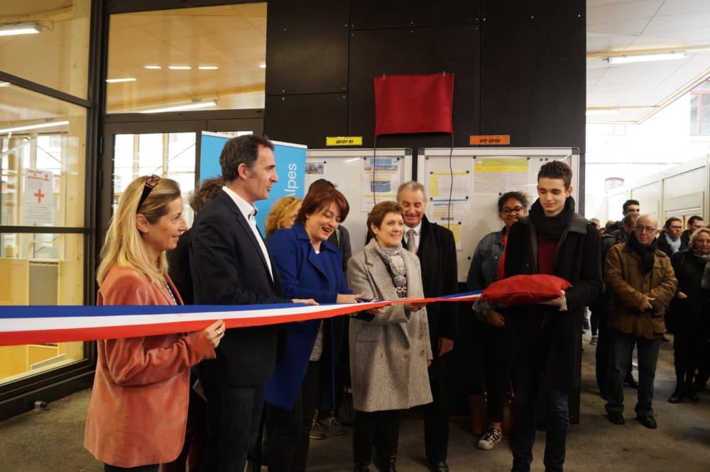 Éric Piolle, Béatrice Berthoux et Viviane Henry inaugurent le nouveau gymnase du lycée Champollion © Léa Raymond - Place Gre'net