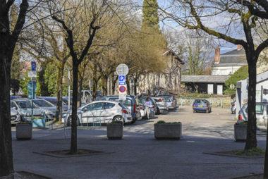 La place de la République © ville de Gières