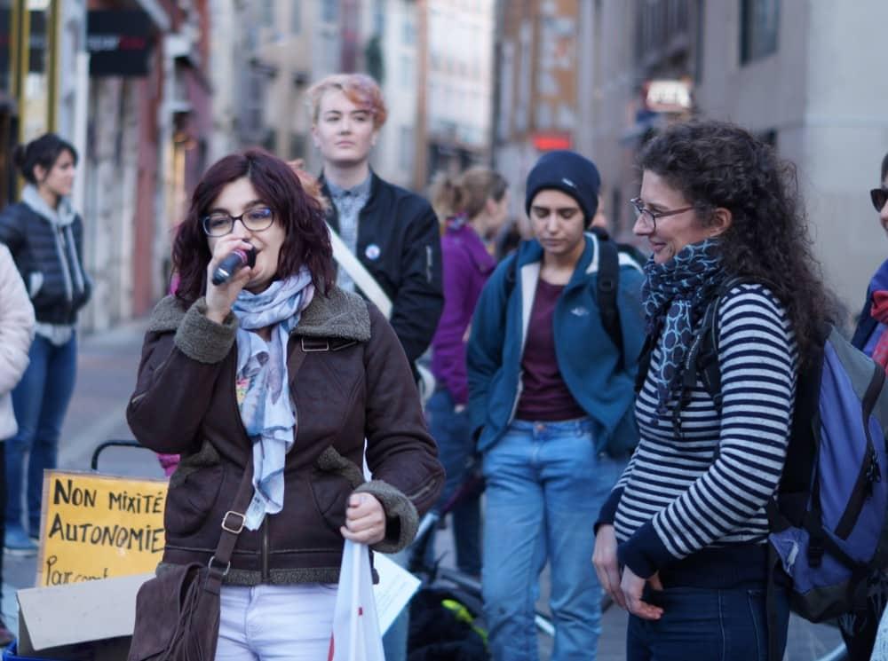 La manifestation du jeudi 8 mars, à l'occasion de la journée internationale de lutte pour les droits des femmes, à Grenoble. © Léa Raymond - placegrenet.fr