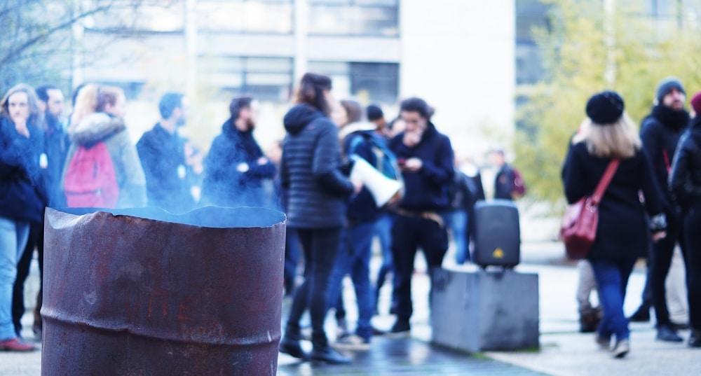 Blocage des étudiants de l'UGA à l'ARSH, le 5 avril 2018. © Léa Raymond - Place Gre'net