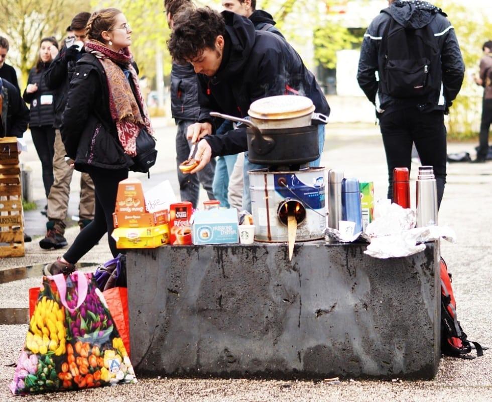 Blocage des étudiants de l'UGA à l'ARSH, le 5 avril 2018. © Léa Raymond - placegrenet.fr