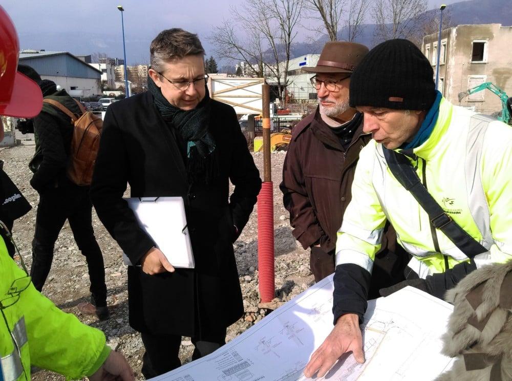 Christophe Ferrari et Georges Oudjaoudi visitent le chantier de la déchèterie de Saint-Martin-d'Hères © Florent Mathieu - Place Gre'net