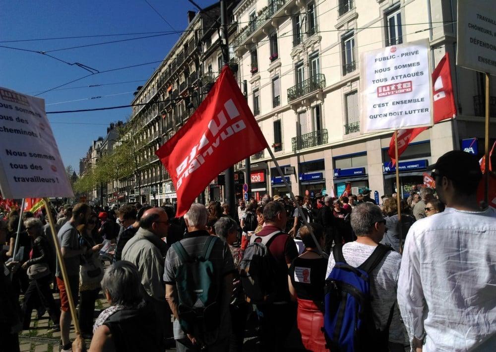 Six organisations syndicales appellent les Grenoblois à participer à la manifestation du mardi 9 octobre. Rendez-vous est donné place de la gare à 10 heuresManifestation de « convergence des luttes » du 19 avril 2018 à Grenoble © Florent Mathieu - Place Gre'net