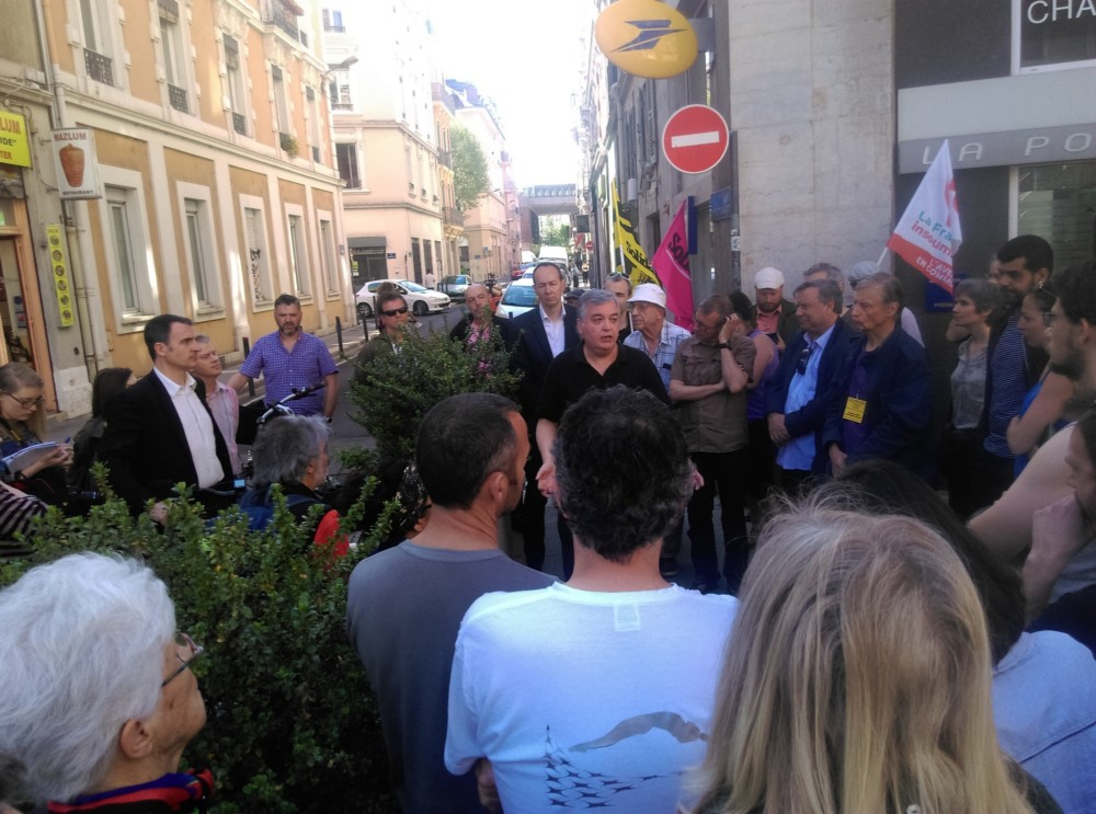 Rassemblement contre la fermeture du bureau de Poste Championnet à Grenoble le samedi 21 avril 2018 © Florent Mathieu - Place Gre'net