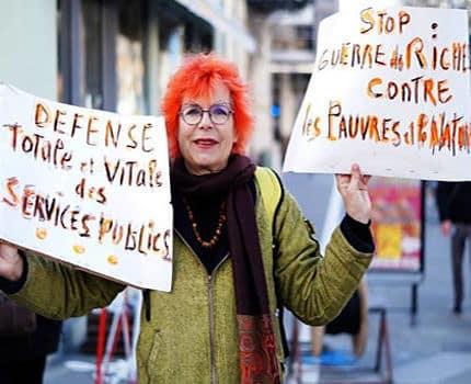 Manifestation-Grenoble-jeudi-22-mars-pour-defense-des-services-public-C-Lea-Raymond