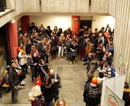 Occupation du bâtiment de la présidence par les étudiants de l'UGA, le 3 Avril 2018. © Léa Raymond - placegrenet.fr