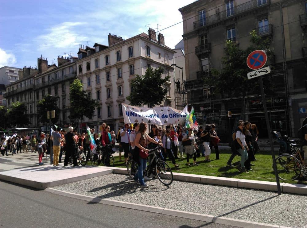 Les étudiants s'étaient joints à la manifestation de défense du service public du 22 mai 2018 © Florent Mathieu - Place Gre'net