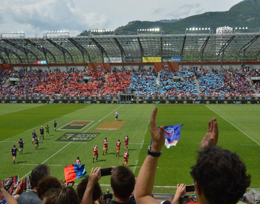 Le stade des Alpes, où comment le sport s'inscrit dans les politiques publiques et dans l'aménagement urbain. © Laurent Genin - Place Gre'net