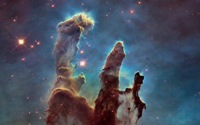 Détail de la nébuleuse de l'Aigle par le télescope spatial Hubble. DR