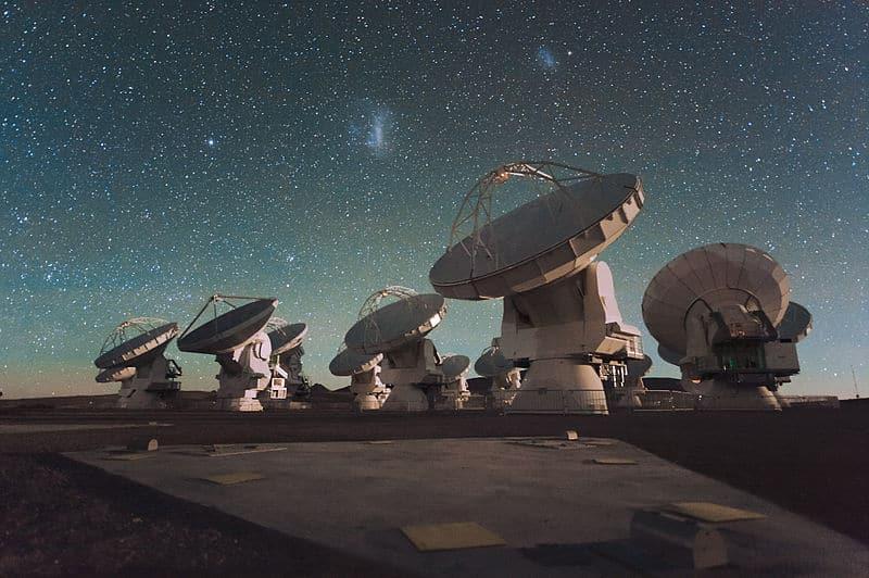Réseau d'antennes millimètres / submillimètres d'Atacama (ALMA), sur le plateau de Chajnantor dan
