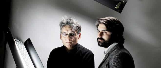 À gauche, Karl Laske et Fabrice Arfi, journalistes à Mediapart, auteurs de «Avec les compliments du Guide» (Fayard). © Olivier Roller / Divergence
