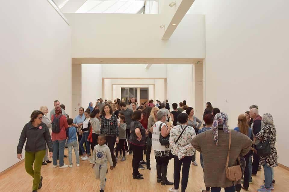 Visite au Musée de Grenoble organisée par le Secours populaire. Crédit photo : Frédéric Fleuri.