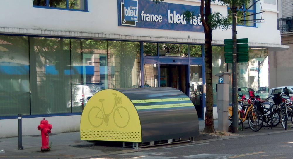 Minibox à vélos devant les locaux de France Bleu à Grenoble @ Grenoble Alpes Métropole